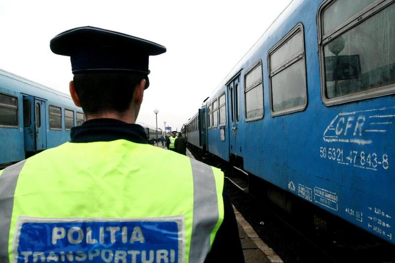 Hotii de cabluri au paralizat Gara de Nord. 7 trenuri anulate