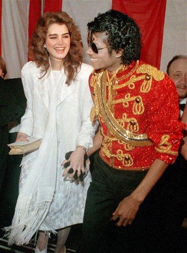 Brooke Shields: Asteptam ca Michael sa sara din cosciug si sa danseze!