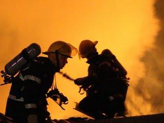 Incendiul de la fabrica de mase plastice din Medgidia, stins dupa 20 de ore