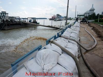 Cod galben de inundatii pe Dunare, intre Gruia si Zimnicea. Stare de alerta pana pe 23 iunie