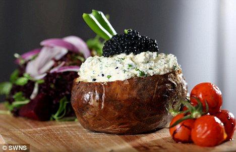 Cel mai scump cartof copt din lume costa 40 de lire