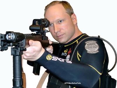 Anders Breivik, criminalul care a ucis 77 de oameni in Norvegia, se plange de conditiile de detentie