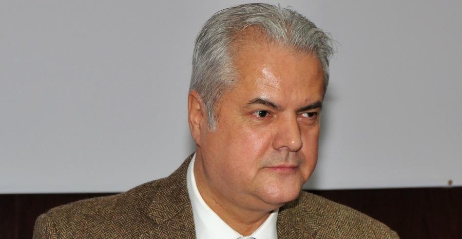 Locul lui Adrian Nastase in Plenul Camerei Deputatilor ar putea fi declarat VACANT incepand de azi