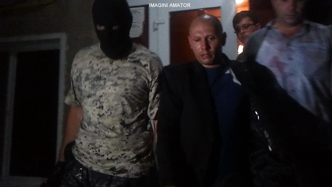 Politistul din Vulcan care fusese arestat pentru act sexual cu un minor s-a intors la serviciu