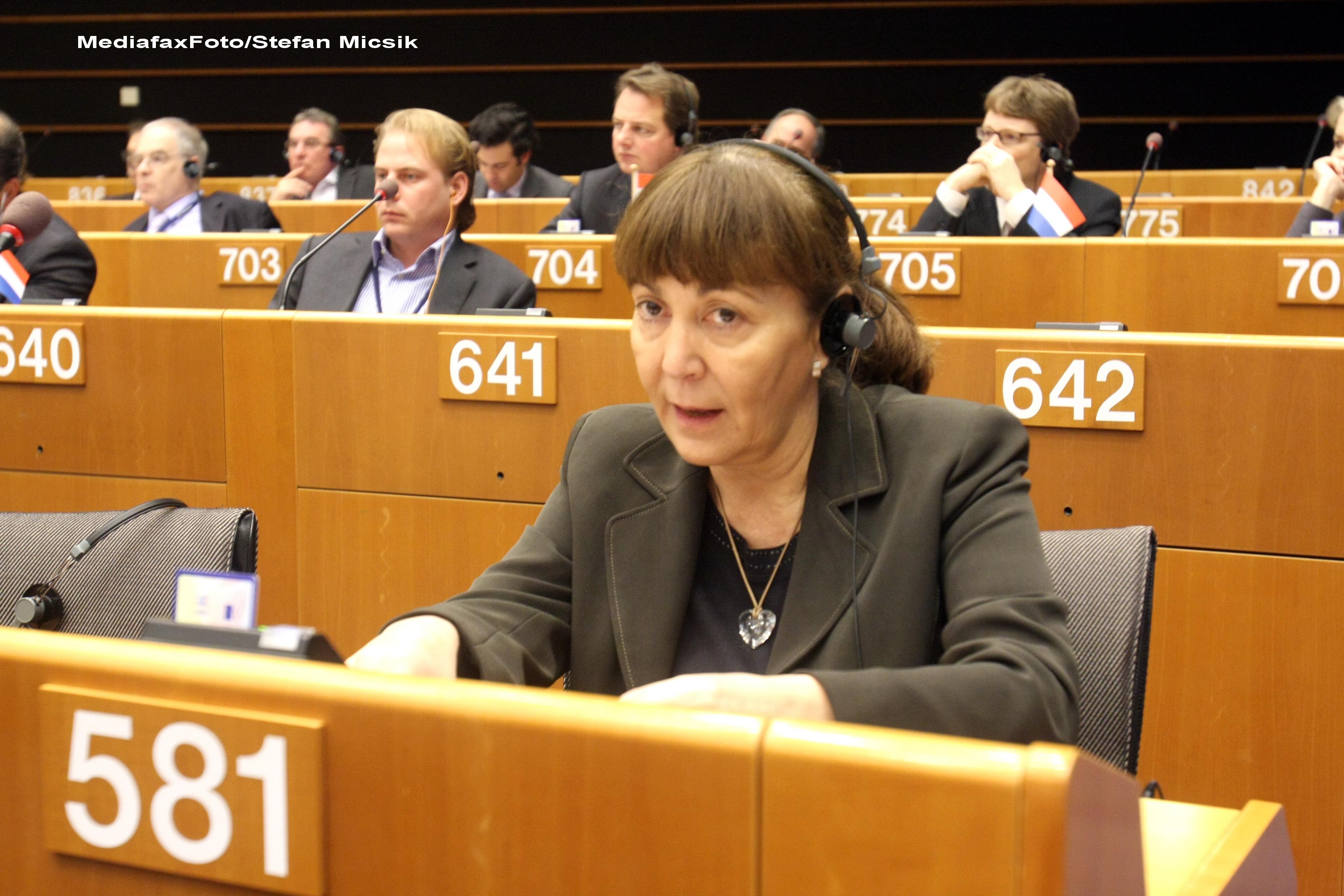 Monica Macovei candideaza la sefia PDL.