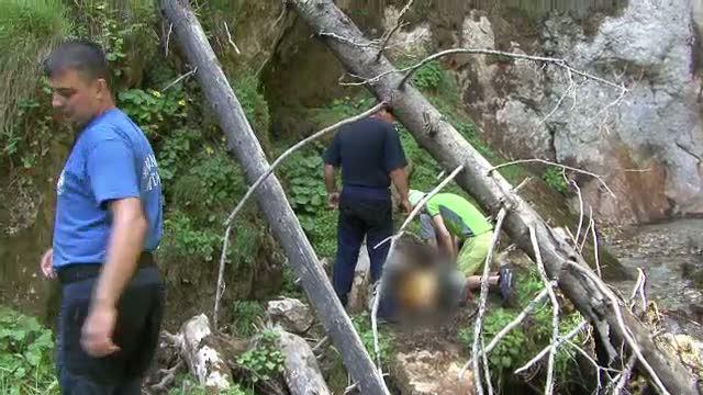 Un copil de 8 ani a murit dupa ce a cazut de la 15 metri inaltime intr-o cascada din Muntii Bucegi