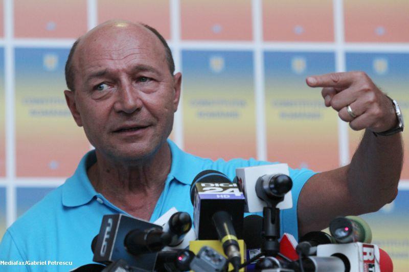 Basescu: Daca Ponta vine cu dovezi privind vila Dante, voi cere cetatenilor sa ma destituie duminica