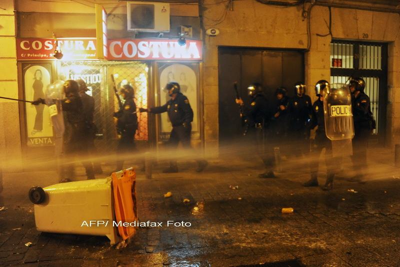 Proteste violente la Madrid impotriva masurilor de austeritate. Politia a tras cu gloante de cauciuc