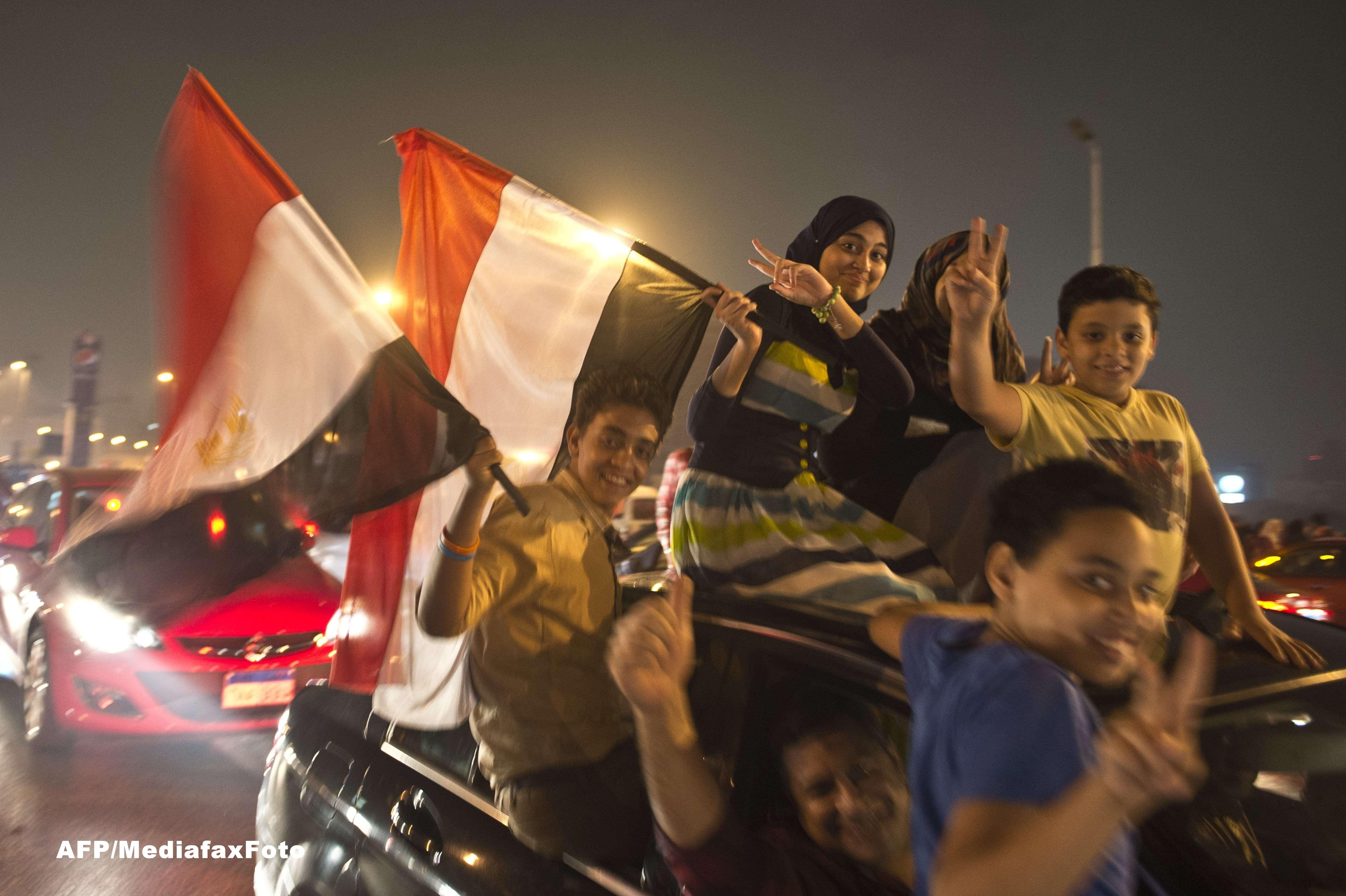 Mohamed Morsi, primul presedinte ales democratic in Egipt, a fost demis de armata