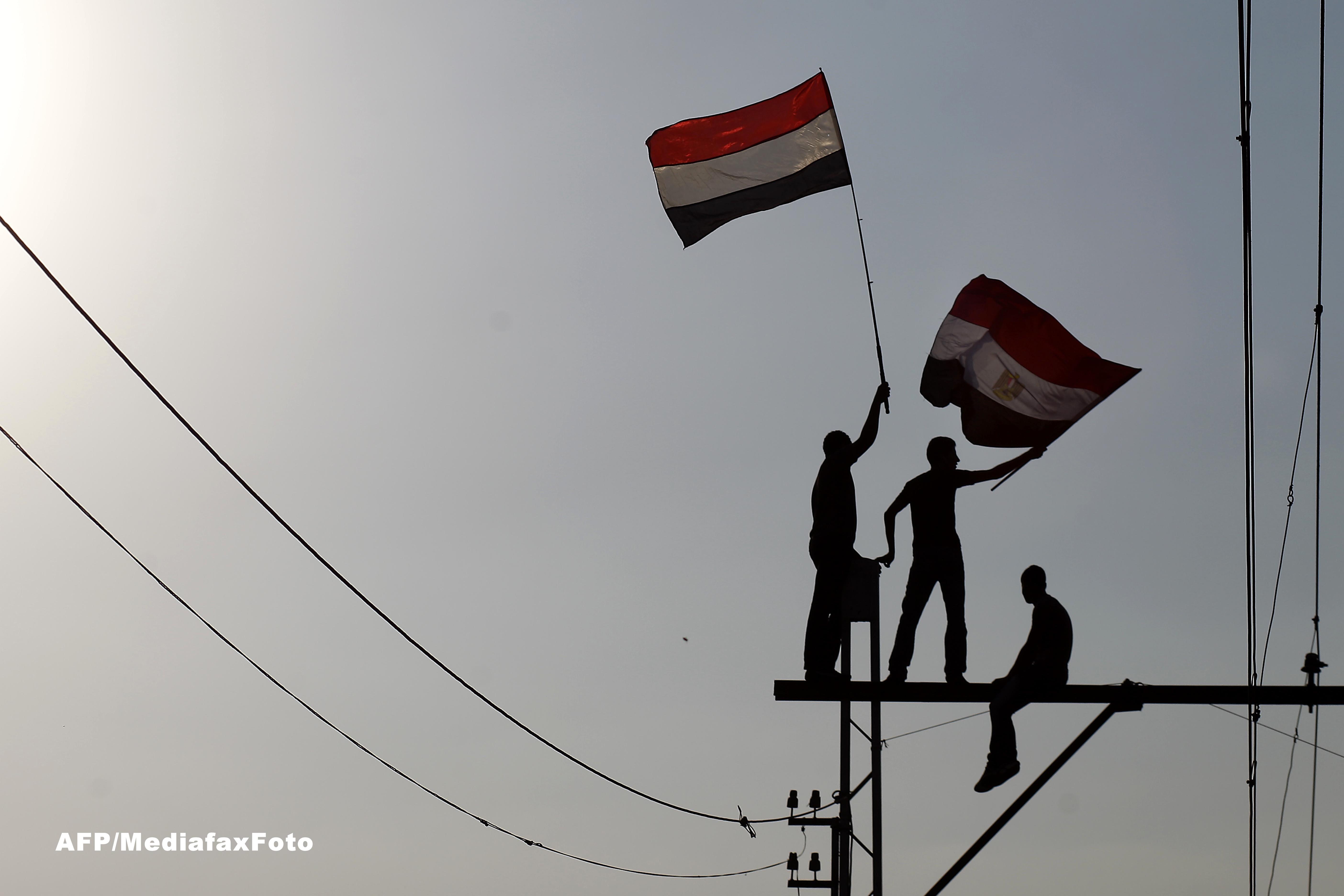 Democratia de la Cairo. Cum s-au descurcat egiptenii un an de zile, dupa caderea lui Hosni Mubarak