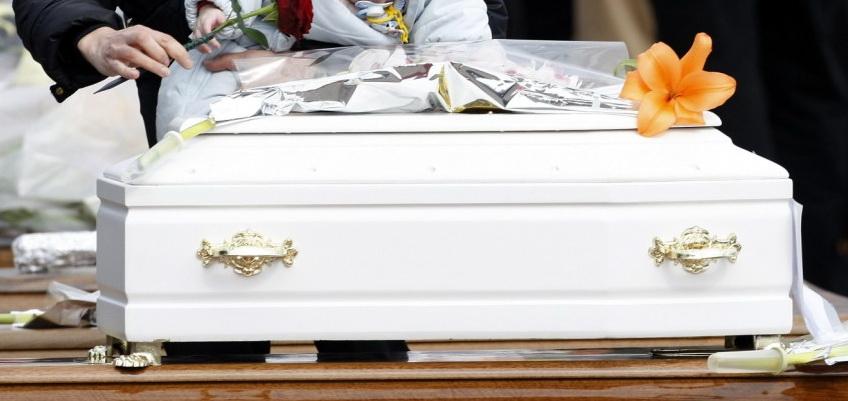 O fetita care a murit la nastere