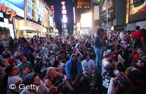 Mii de americani au protestat in New York si Los Angeles impotriva achitarii lui George Zimmerman