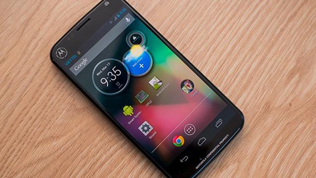 Motorola Moto X prezentat intr-un nou videoclip. Ce stie sa faca telefonul similar cu Google Glass