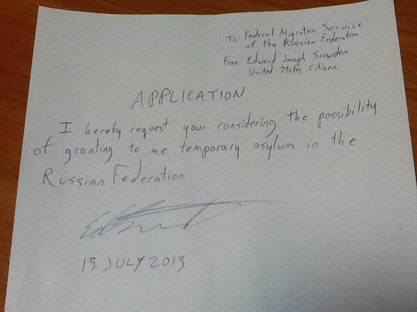 Scrisoarea care ar putea declansa un razboi diplomatic. Edward Snowden a cerut azil politic in Rusia