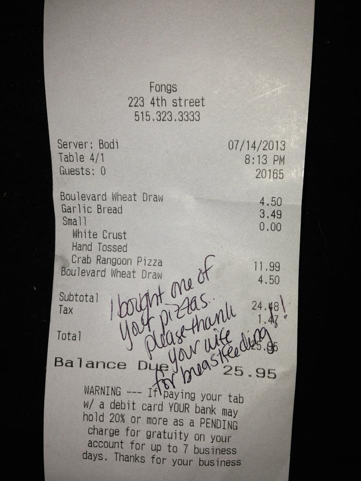 Mesajul emotionant primit de o femeie care alapta intr-o pizzerie pe nota de plata