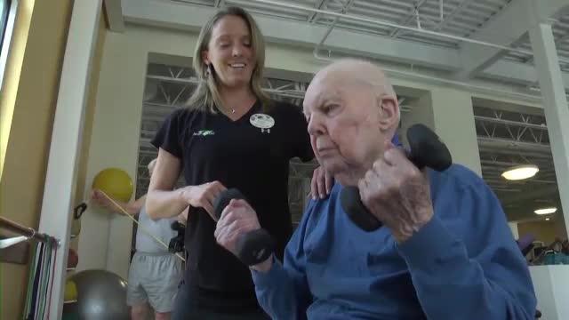A descoperit mersul la sala de sport la 103 ani.