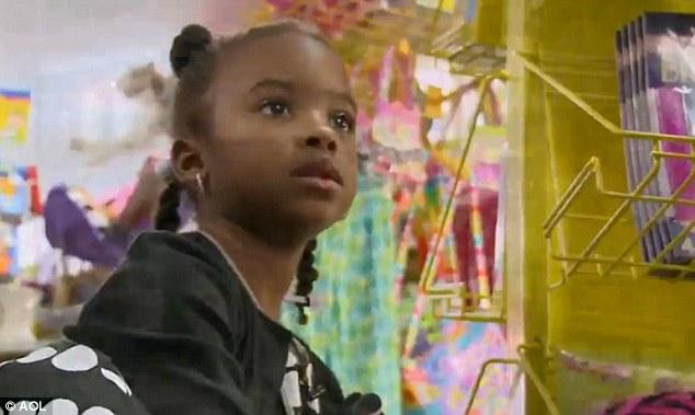La numai 4 ani are un IQ mai mare de 145. Fetita din imagine a uimit intreaga lume. VIDEO