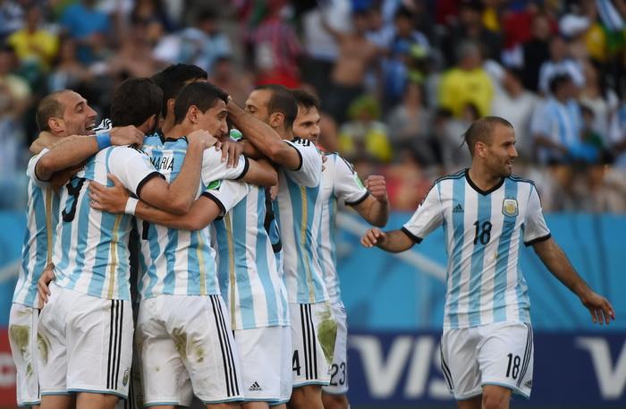 Campionatul Mondial de Fotbal 2014. Argentina s-a calificat in sferturile de finala dupa ce a invins Elvetia cu 1-0