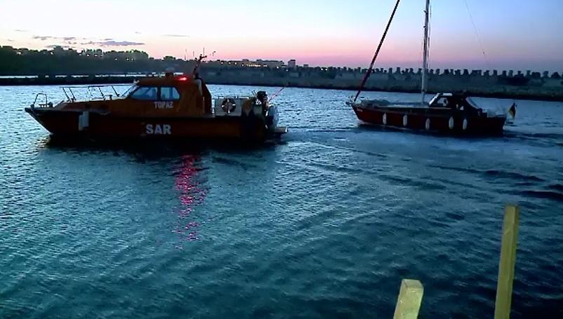 Operatiune de salvare in Marea Neagra. Doi turisti nemti au ramas fara motor si au cerut ajutor autoritatilor romane
