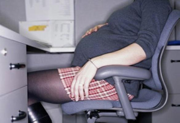 BACALAUREAT 2014: O eleva a intrat in travaliu chiar in timpul examenului. Profesorii au sunat imediat la 112