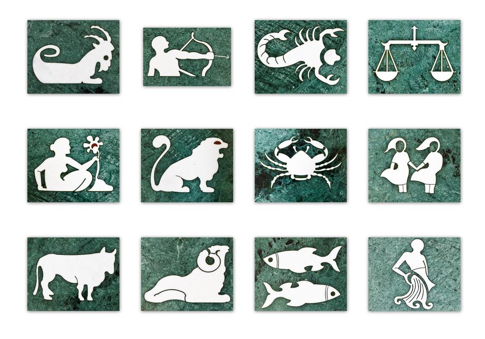 Horoscop zilnic 24 iulie 2014. Leii se indragostesc, iar Pestii au parte de un castig financiar neasteptat