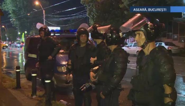 Scandal inainte de meciul Rapid - Steaua. Membrii galeriei gazdelor s-au luat la bataie in apropierea stadionului Giulesti
