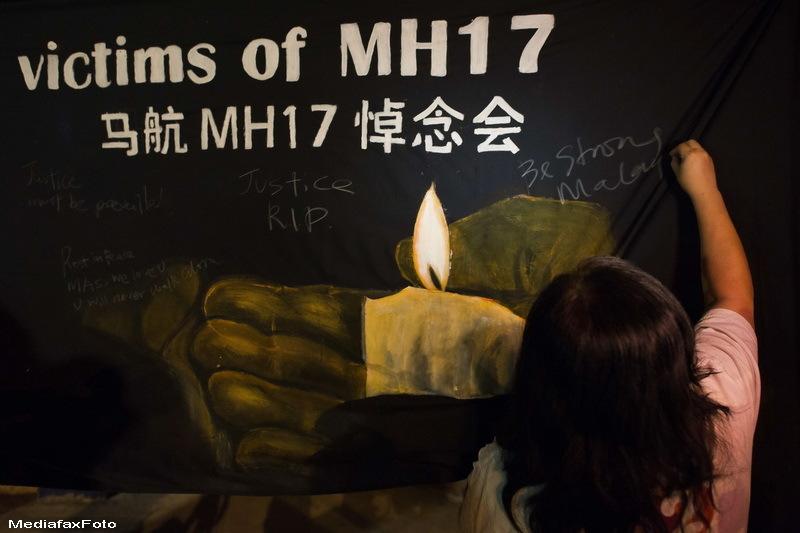 Stewardesa care a pacalit moartea de doua ori. Facea parte din ambele echipaje ale avioanelor Malaysia Airlines prabusite