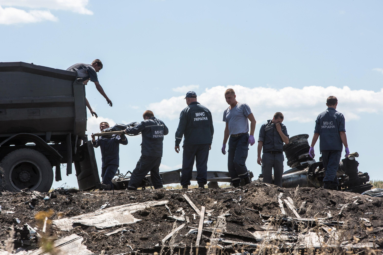 Zborul MH17 al companiei Malaysia Airlines: 8 intrebari fara raspuns despre catastrofa din Ucraina