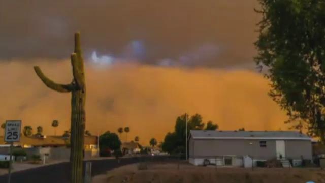 O furtuna de nisip a maturat orasul american Phoenix. Efectele fenomenului