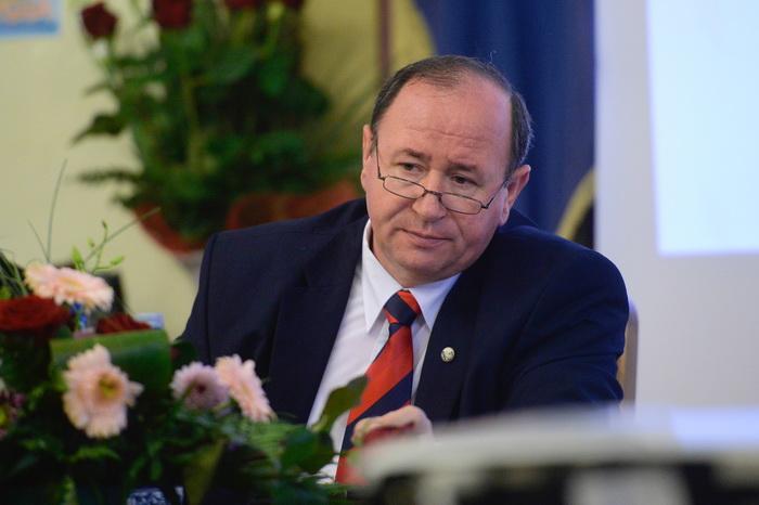 Directorul de la Apele Romane si-a dat demisia de onoare, dupa ce Victor Ponta i-a cerut plecarea