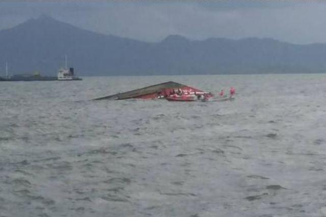 Cel putin 33 de morti dupa ce un feribot cu 173 de oameni la bord a naufragiat in largul insulelor Filipine