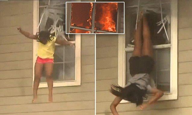 Moment de panica pentru doua fete, intr-o casa cuprinsa de flacari. S-au aruncat pe geam pentru a scapa cu viata. VIDEO