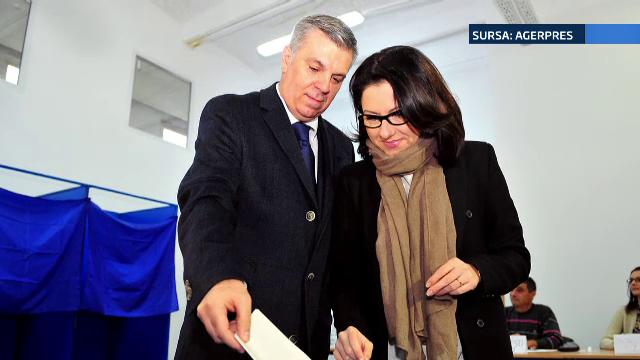 Valeriu Zgonea s-a casatorit pentru a doua oara. Cine este femeia cu 16 ani mai tanara care l-a cucerit pe seful deputatilor