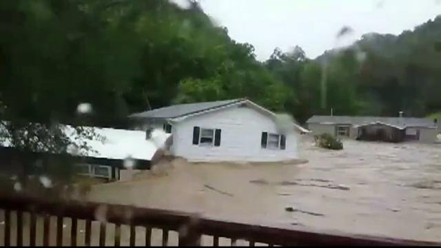 Stare de urgenta in Kentucky dupa ce statul american a fost afectat de inundatii puternice. Doua persoane au murit