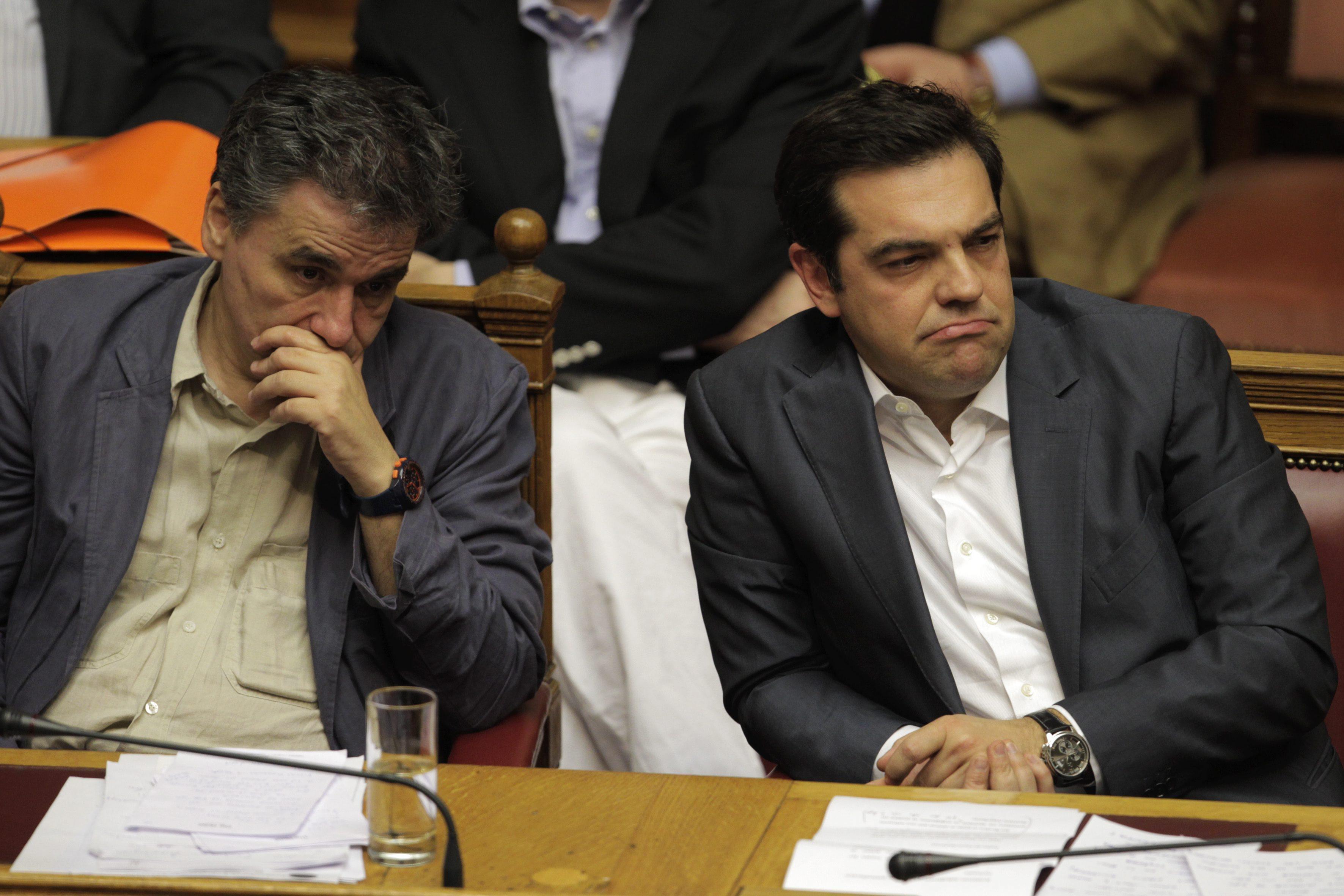 Parlamentarii greci au votat in majoritate covarsitoare adoptarea planului de austeritate. Tsipras a fost ajutat de opozitie