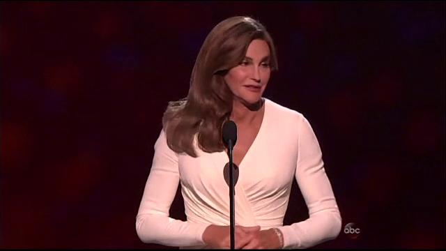 Caitlyn Jenner, premiata de o televiziune de sport. Discursul vedetei a starnit controverse