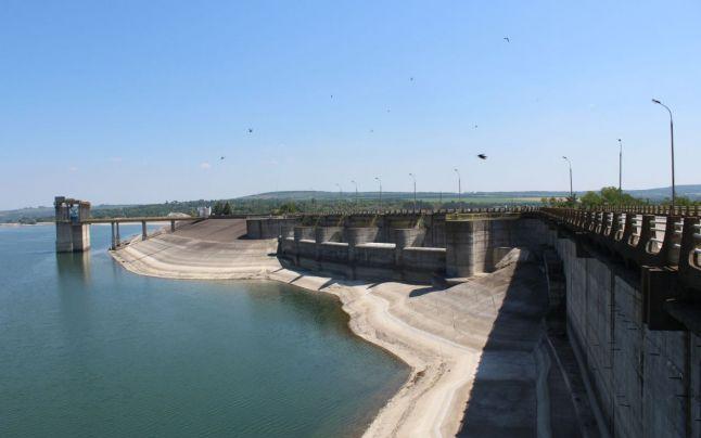 Muntele de beton Stanca-Costesti. Cum a cheltuit Ceausescu echivalentul a 60 tone de aur pur pentru mega-barajul de la Prut