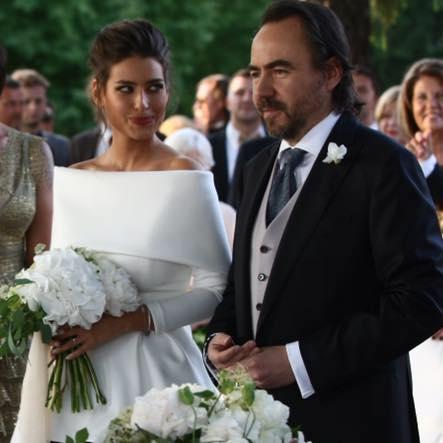 Modelul Alice Peneaca si regizorul Bobby Paunescu s-au casatorit. Cei doi si-au spus juramintele in fata prietenilor