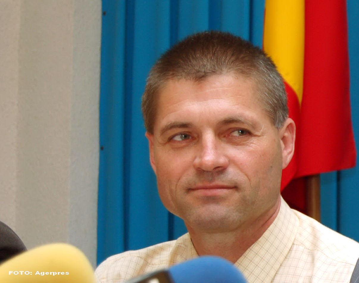 Cine este Mihai Carp, seful Inspectoratului de Politie Vaslui. Presa scrie ca ar fi ruda cu 2 dintre cei 7 violatori