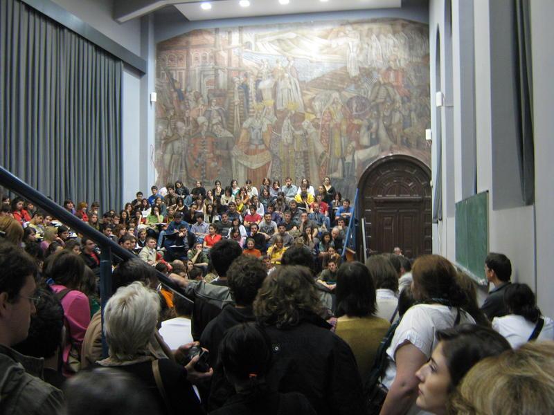 Romanii fara venituri ar putea scapa de contributia la asigurarile de sanatate.