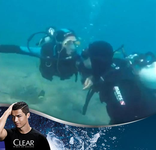 Eliminat de la UEFA EURO 2016, capitanul Spaniei, Sergio Ramos, a plecat in vacanta in Croatia. Cum s-a filmat sub apa