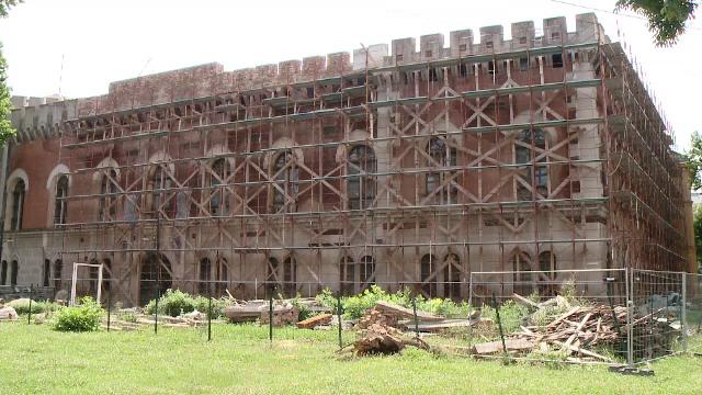 Cea mai veche cladire din Timisoara zace in ruina. Autoritatile au pierdut cele 10 milioane de euro necesare pentru renovare