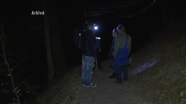 Operatiune contracronometru in muntii Parang. Cinci turisti, salvati dupa ce un lup i-a speriat teribil
