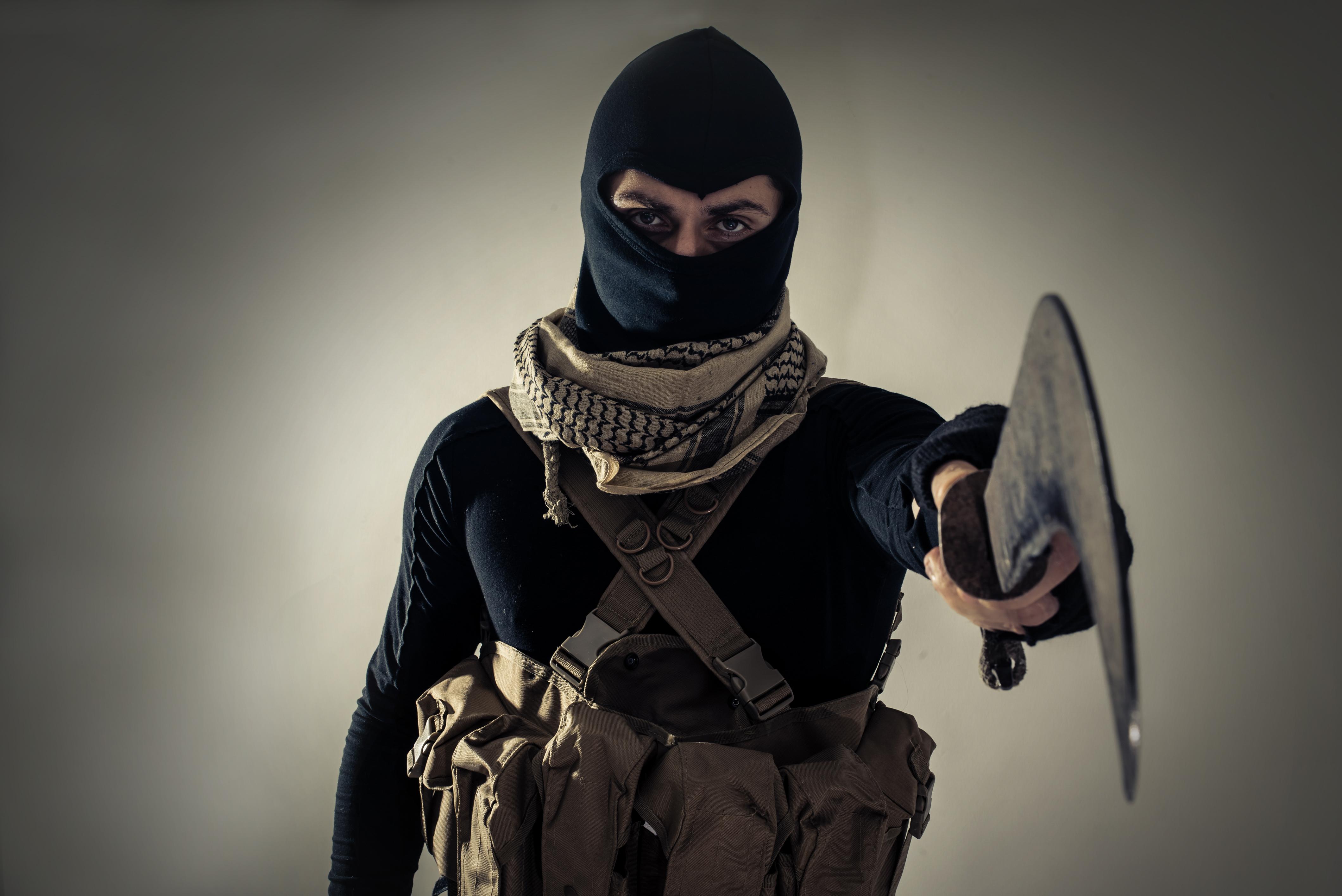 Cinci lideri ai Statului Islamic au furat milioane de dolari de la jihadisti. Pedeapsa care-i asteapta daca vor fi prinsi