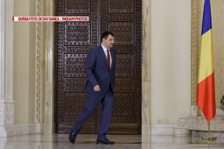 Un ministru din Guvernul Romaniei vrea sa ceara protectia serviciilor impotriva unui deputat.