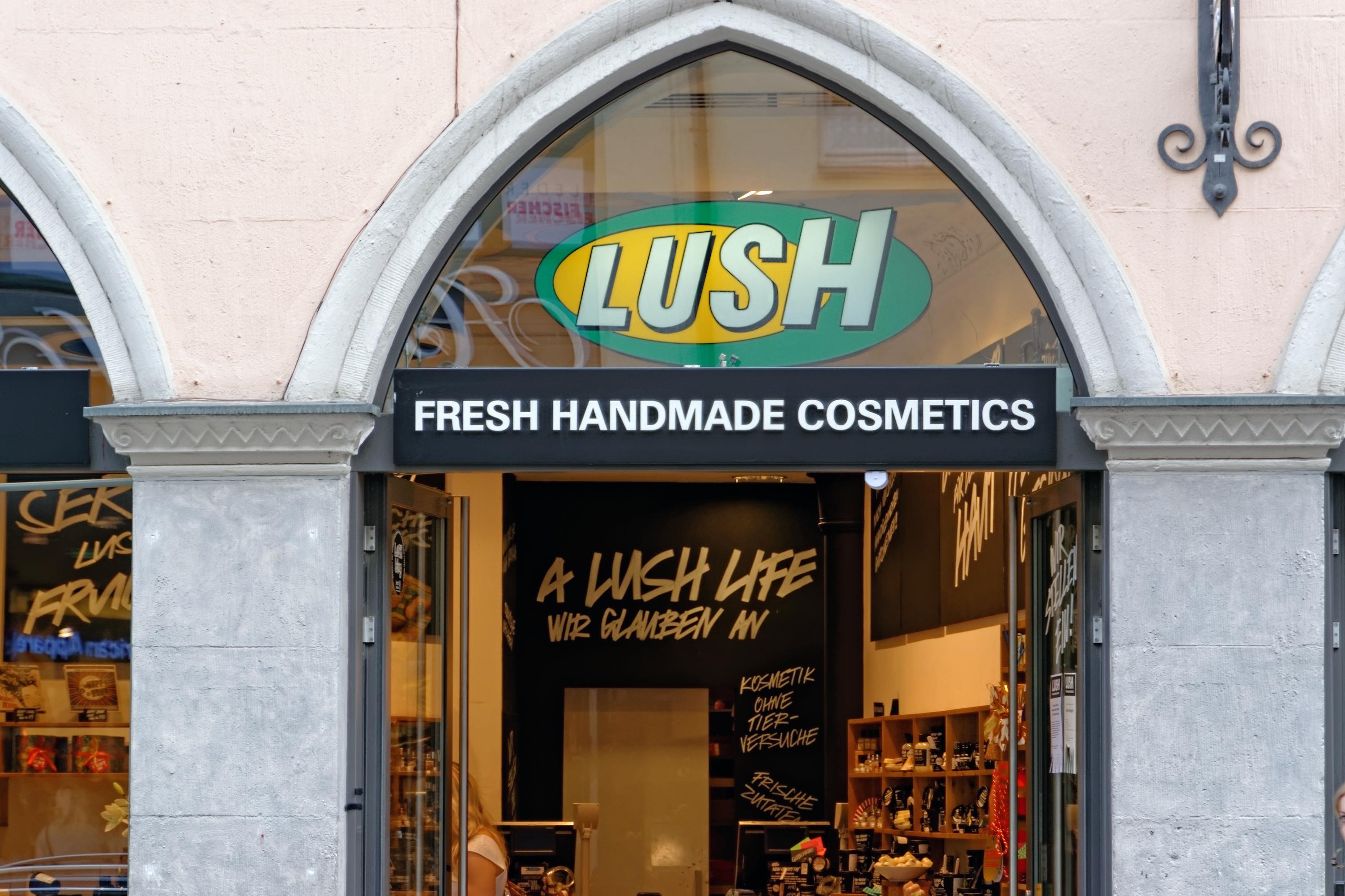 Una dintre cele mai mari companii de cosmetice paraseste Anglia, dupa Brexit. Tara din Europa in care isi muta productia