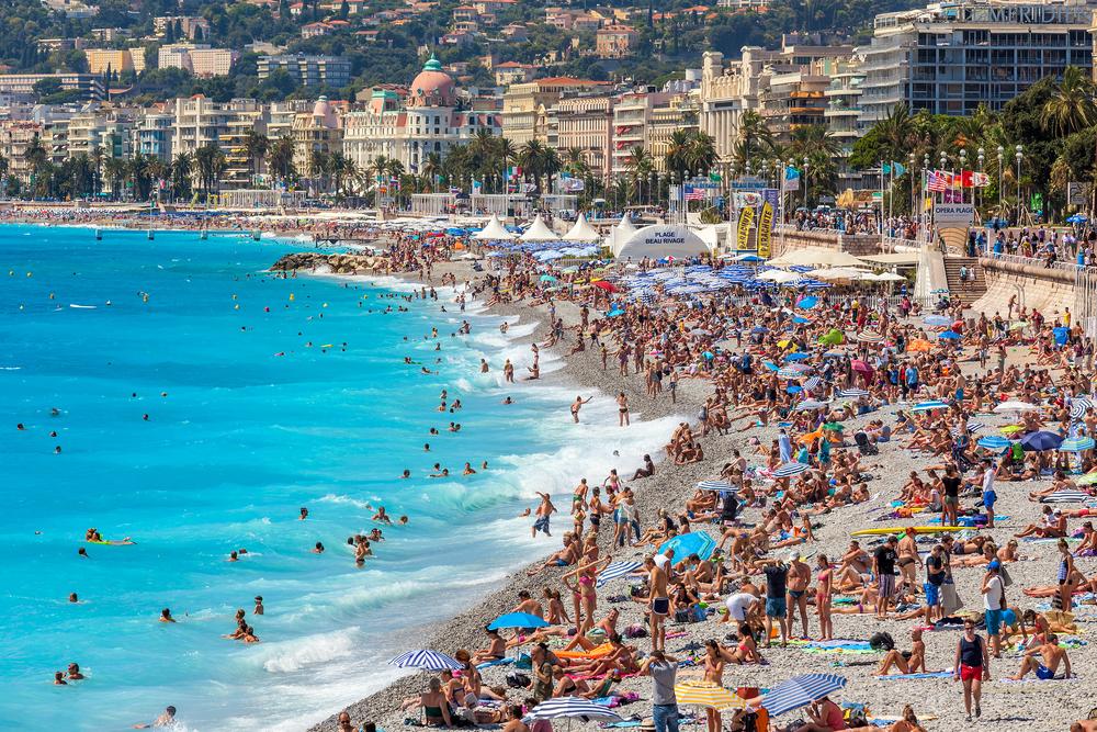 Panica pe o plaja din Franta, dupa ce un barbat a strigat