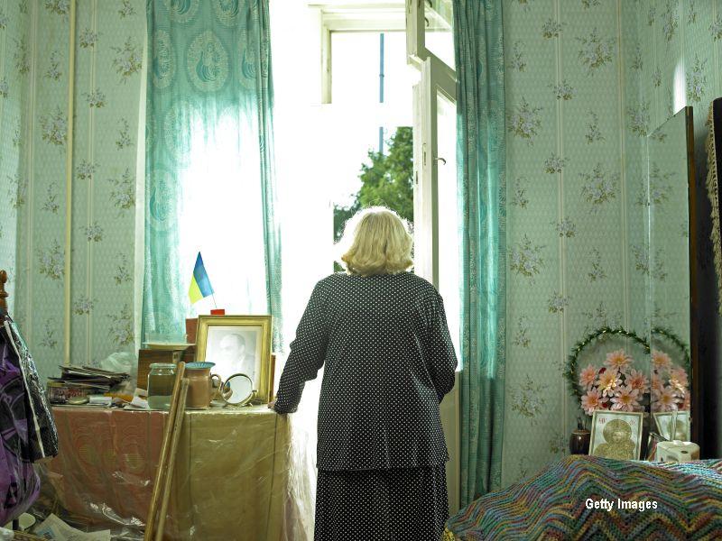 O pensionara a fost jefuita chiar de femeia care trebuia sa aiba grija de ea. Batrana a murit cu putin timp inainte de proces