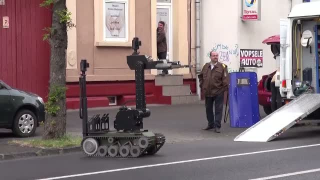 Stare de alerta la Brasov din cauza unei valize suspecte. Ce se afla in geamantanul voluminos
