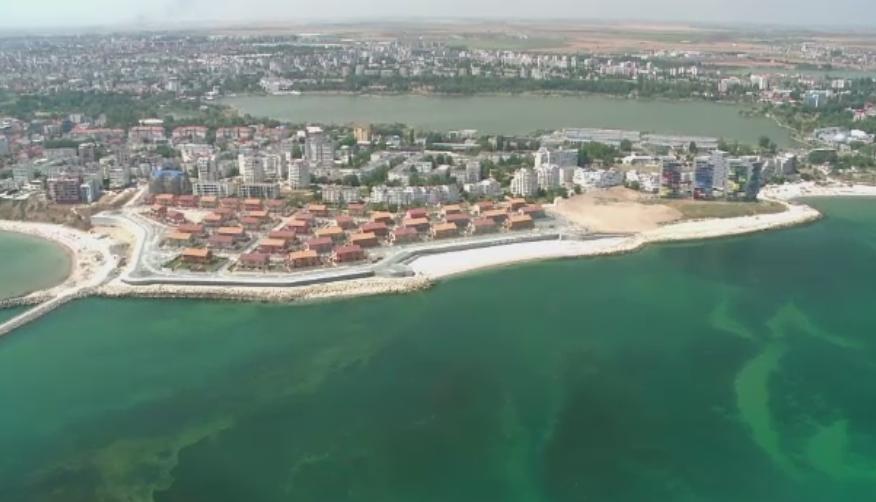 Turismul activ de pe litoral, tot mai cautat. Cat costa o plimbare cu avionul sau intrarea in parcul de distractii